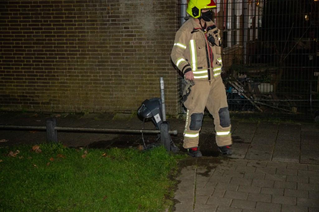 Brand in prullenbak aan de Dr. Jan Schoutenlaan