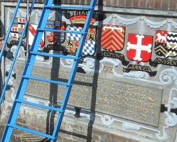Historische gedenksteen Monstersche Sluis krijgt opknapbeurt