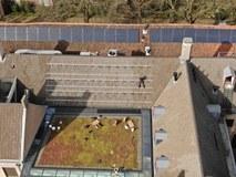 Delfland legt zonnepanelen op zijn 'oudste huis'
