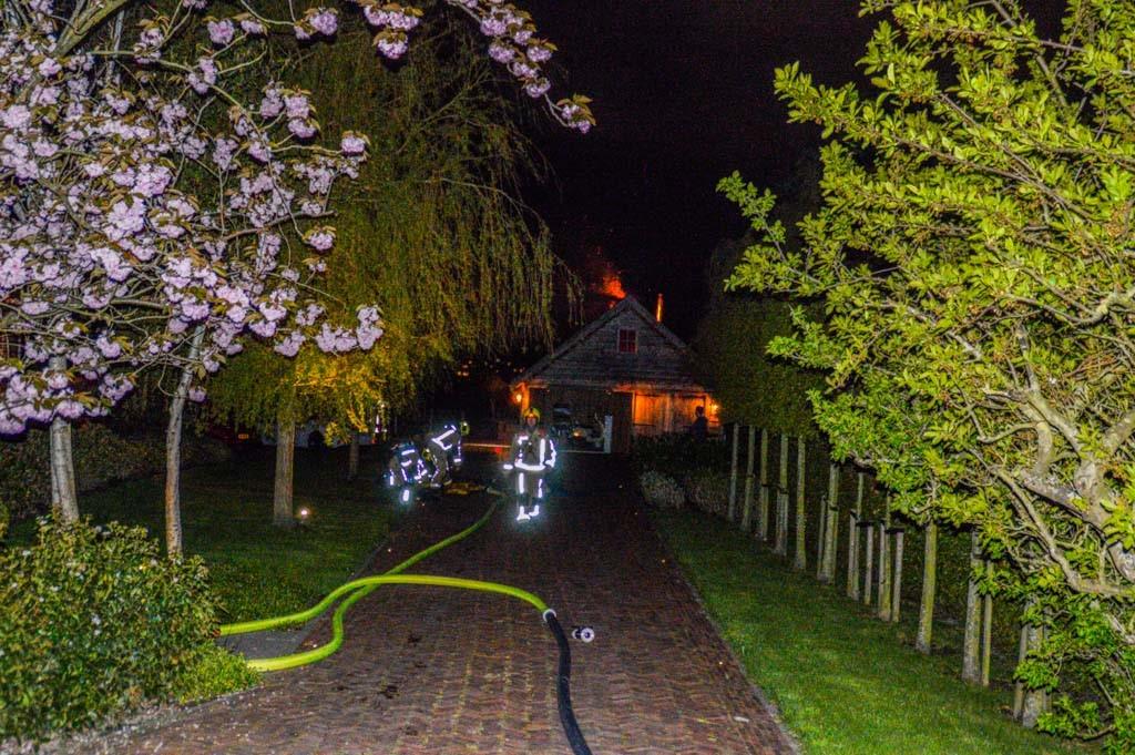 Uitslaande brand aan de Zuidbuurt in Maassluis