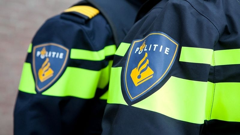 Politieachtervolging op scooter in winkelcentrum Koningshoek