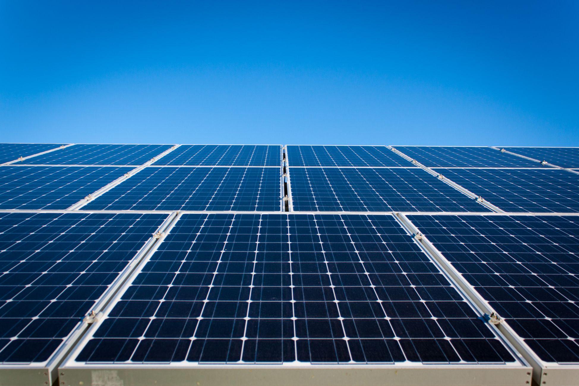 160 zonnepanelen op dak van Stadsbedrijf