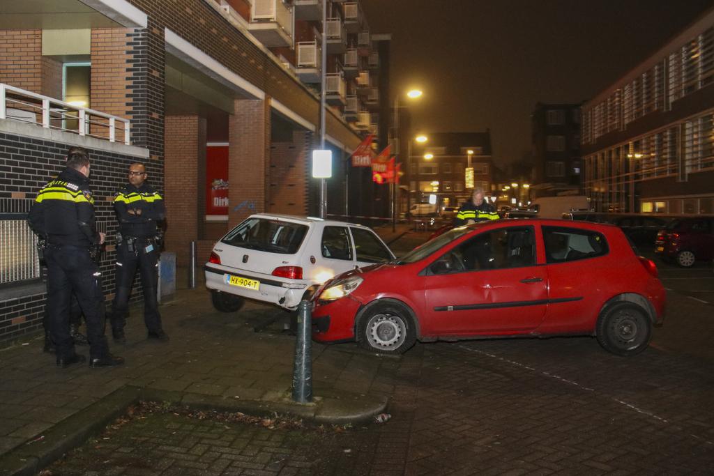 Politie ramt gestolen auto