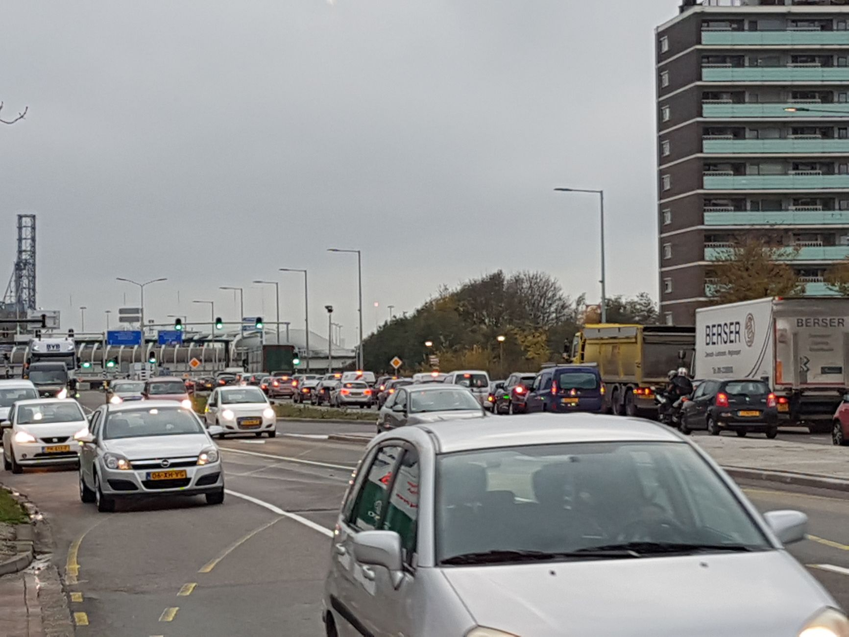Meer parkeerplaatsen nodig voor vrachtauto's
