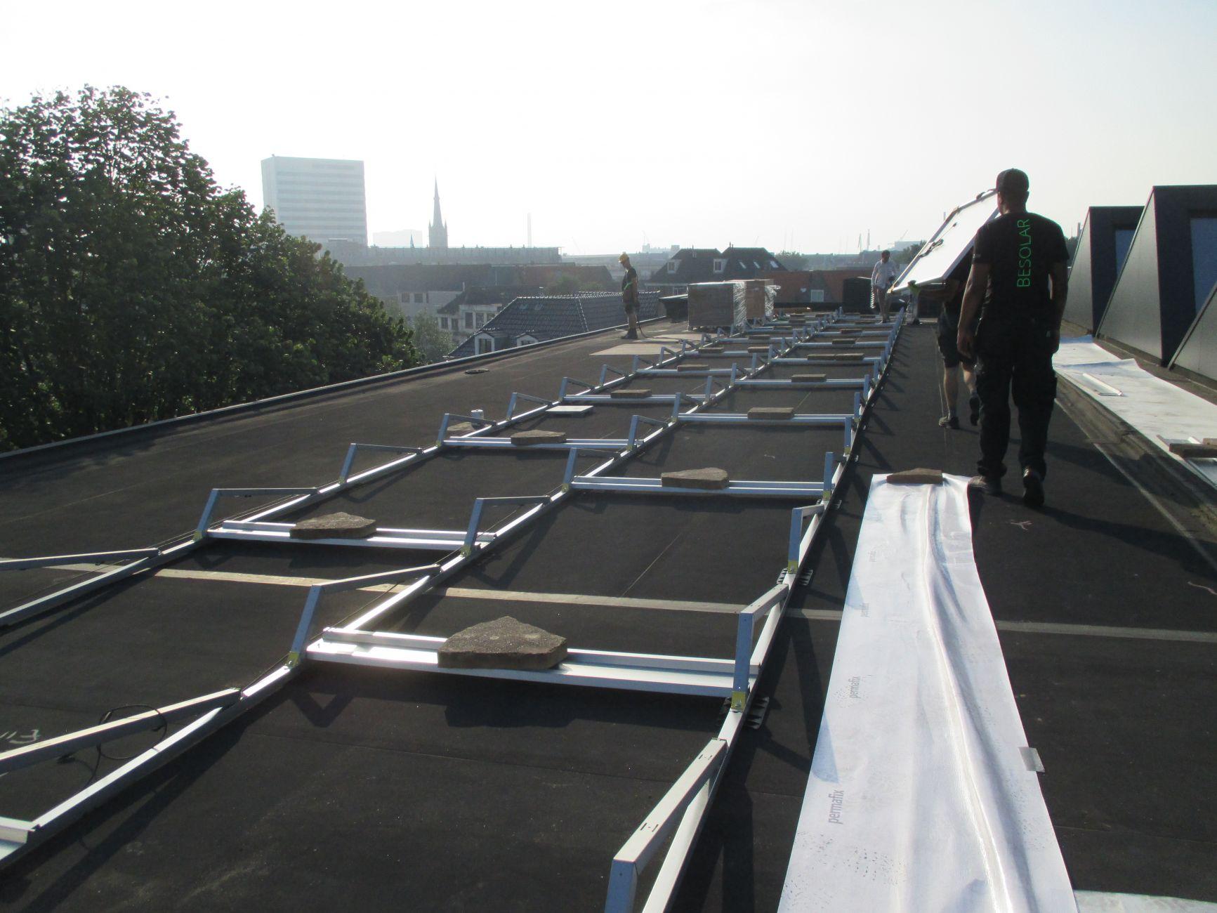 Grote daken in Zuid-Holland: stroom voor miljoen huishoudens