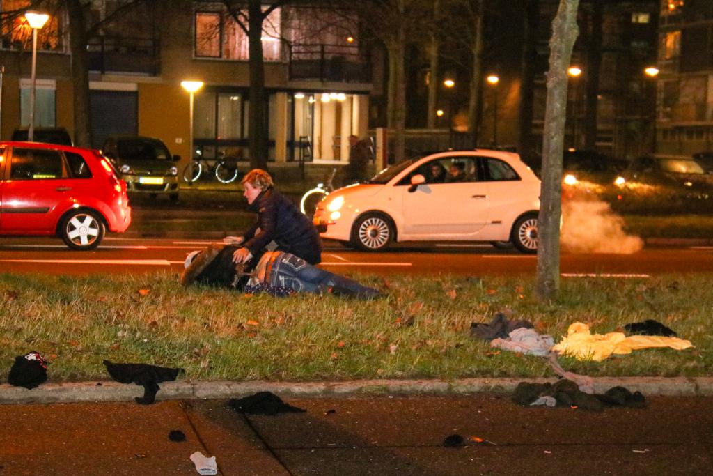 Voetganger en motorrijder gewond na aanrijding