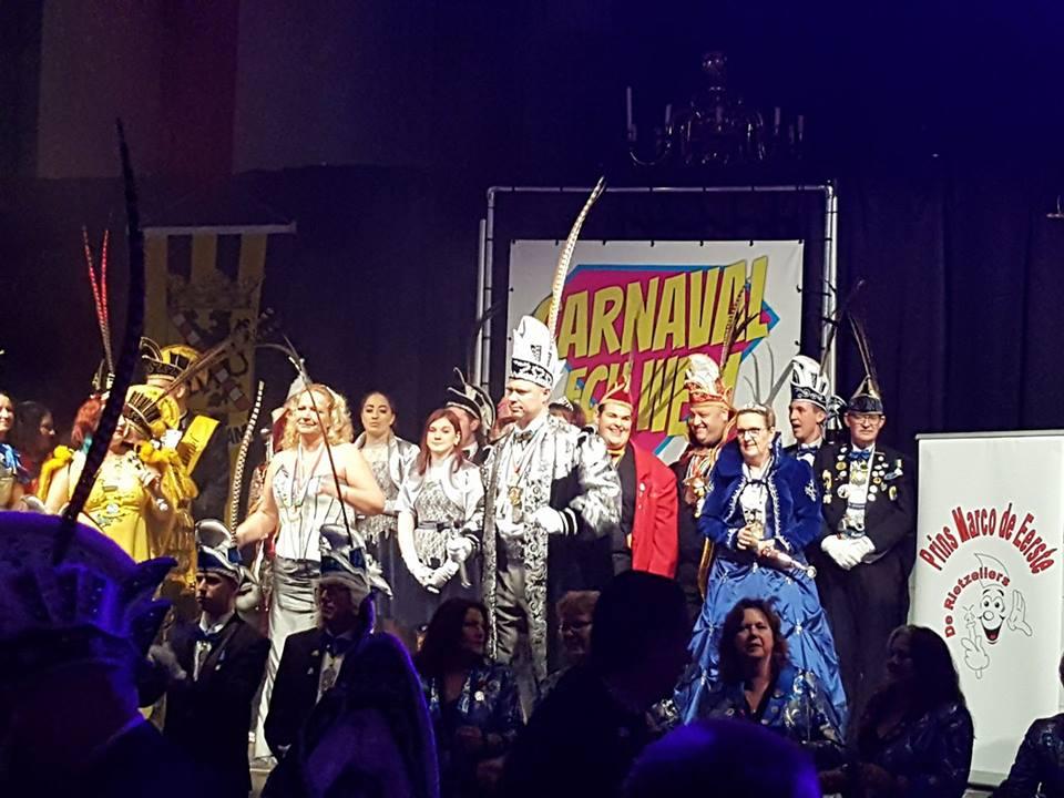 Rietzeilers vroeg met carnavalsfeest