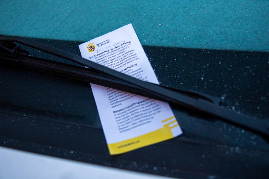Schiedam gaat 'kentekenparkeren'
