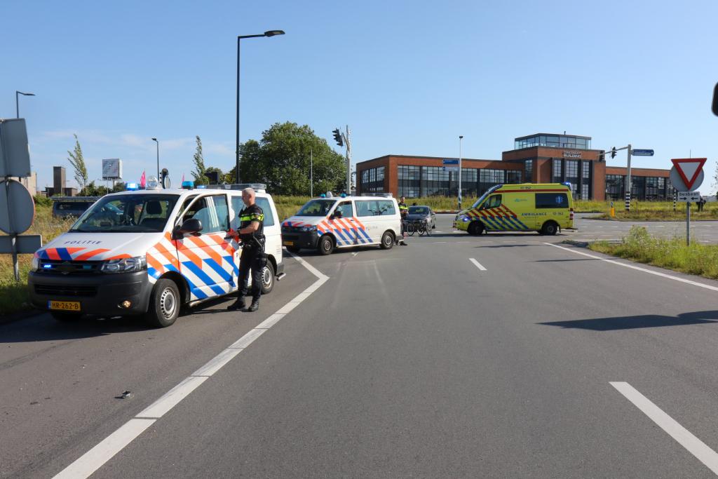 Busbaan en oprit A4 gestremd na ongeval