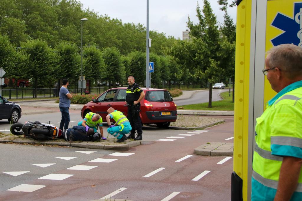 Scooterrijder bij botsing gewond