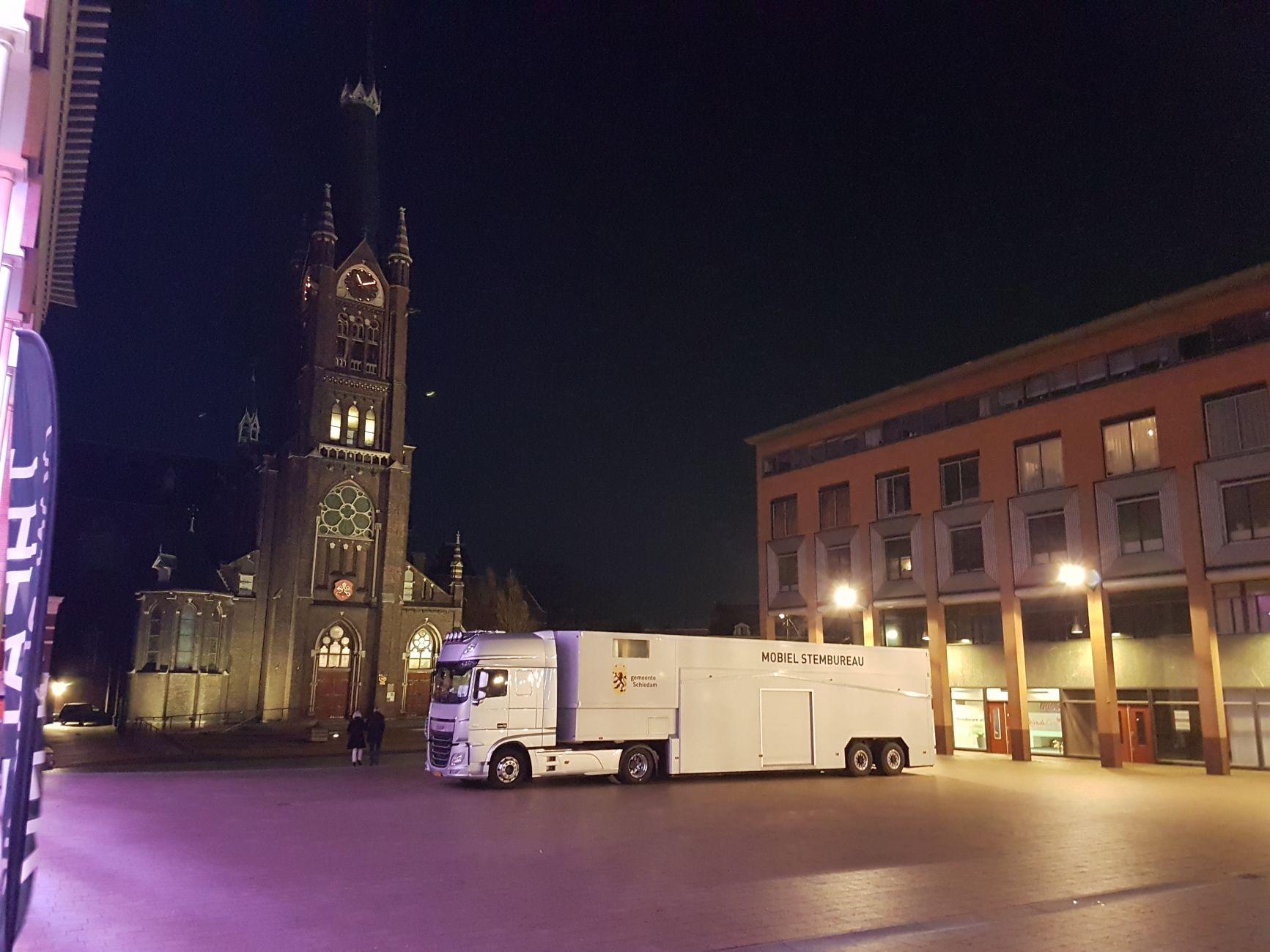 Stemmen op 33 Schiedamse locaties, plus een mobiel stembureau