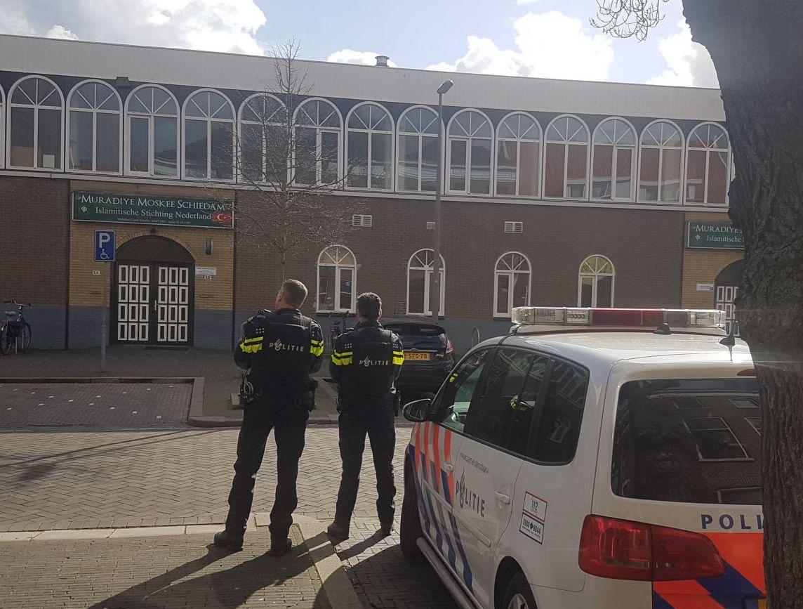 Moskeeën bewaakt na schietpartij Utrecht