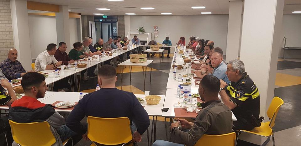 Iftar op het politiebureau