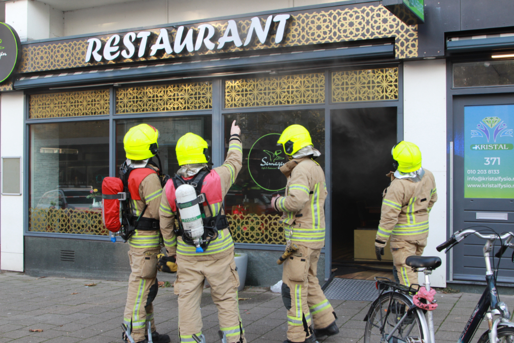 Brand in Semazen, bovenwoningen ontruimd