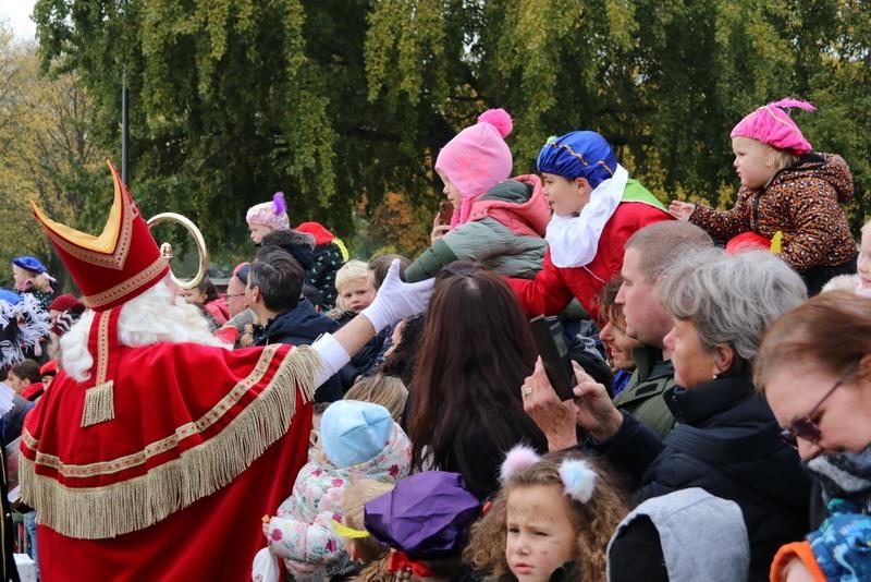 Sint treft veel blije gezichten in Schiedam
