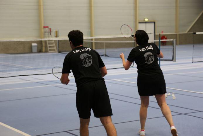 Tennissers in Noord willen hun hal niet kwijt