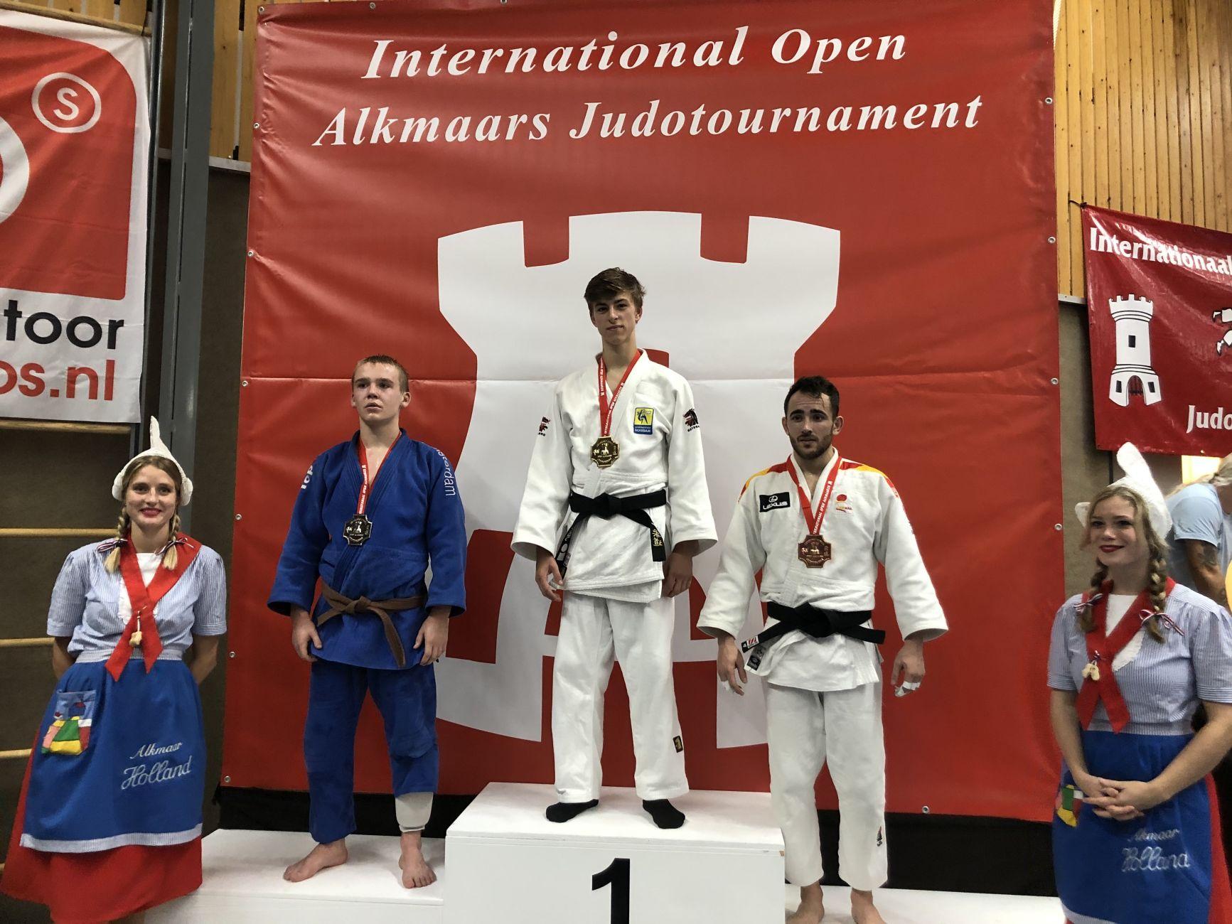 Twaalf medailles voor judoka's Sportinstituut Schiedam in Alkmaar
