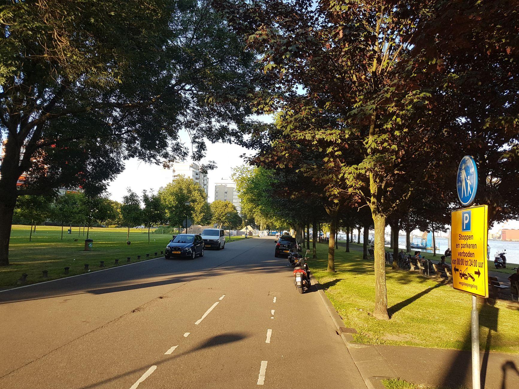 Gewoon weer: naar de Maasboulevard en stoeltje uit