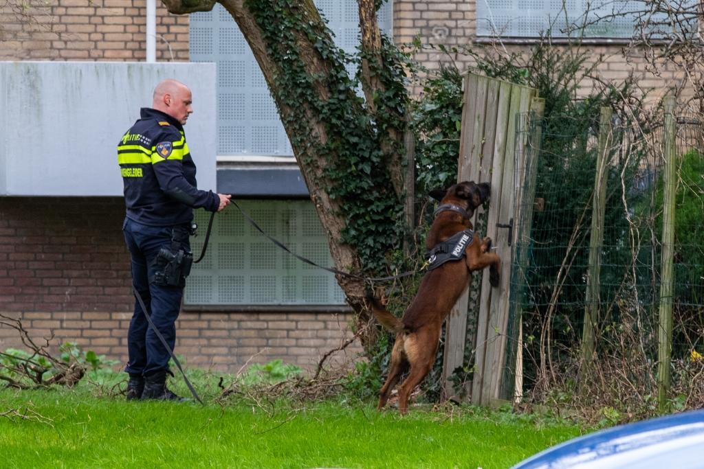 Politie doorzoekt gebied bij Parkweg