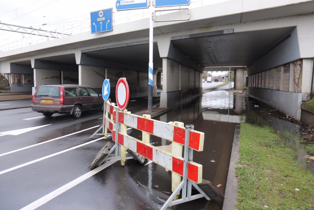 Invalsweg afgesloten door regenval