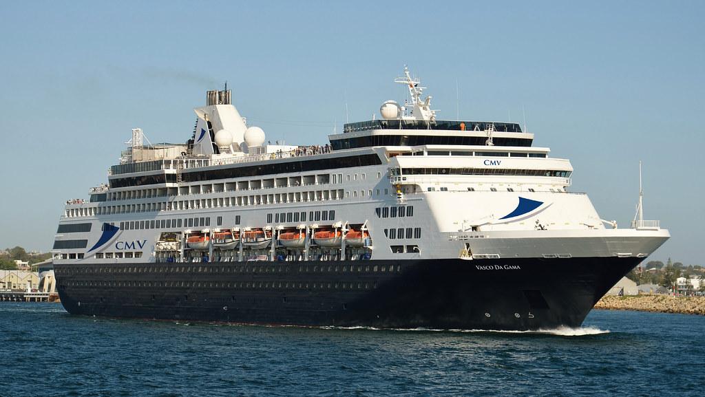 Zeven cruiseschepen tegelijk stomen op naar Rotterdam