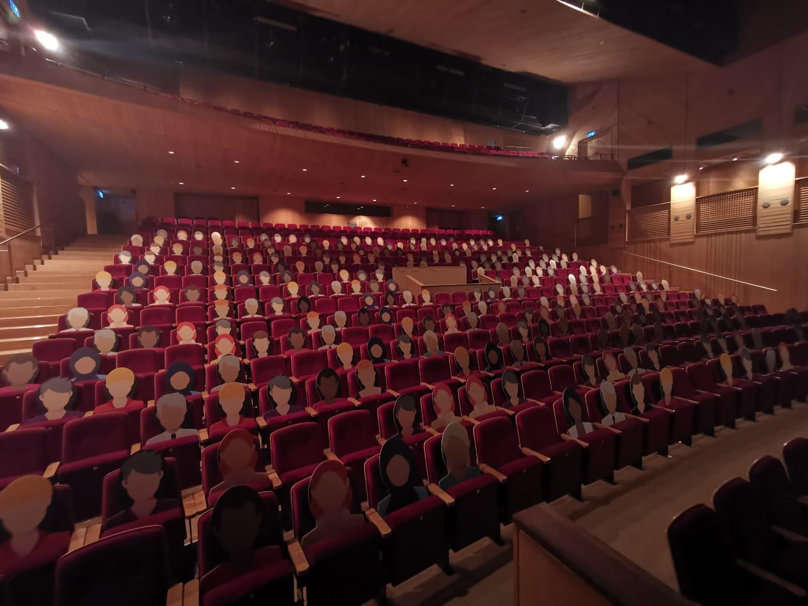 Theater aan de Schie lanceert anderhalve-meterprogramma