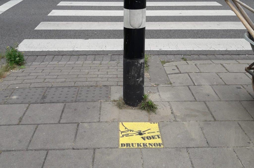 'Coronaproof' oversteken al op meer plekken in Schiedam