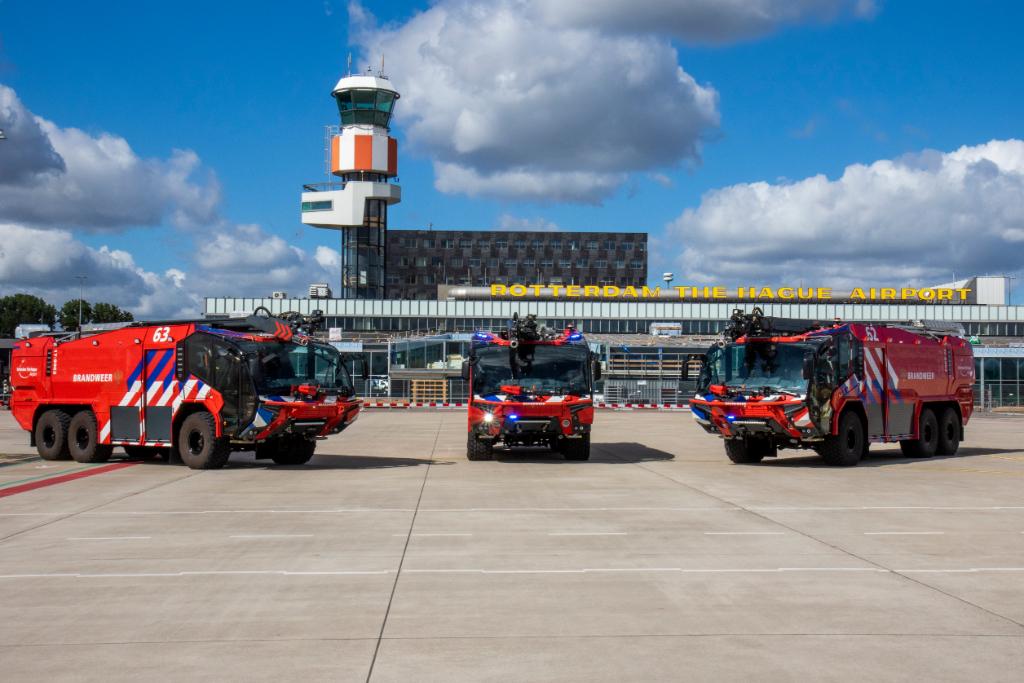 Drie nieuwe 'crashtenders' voor brandweer vliegveld