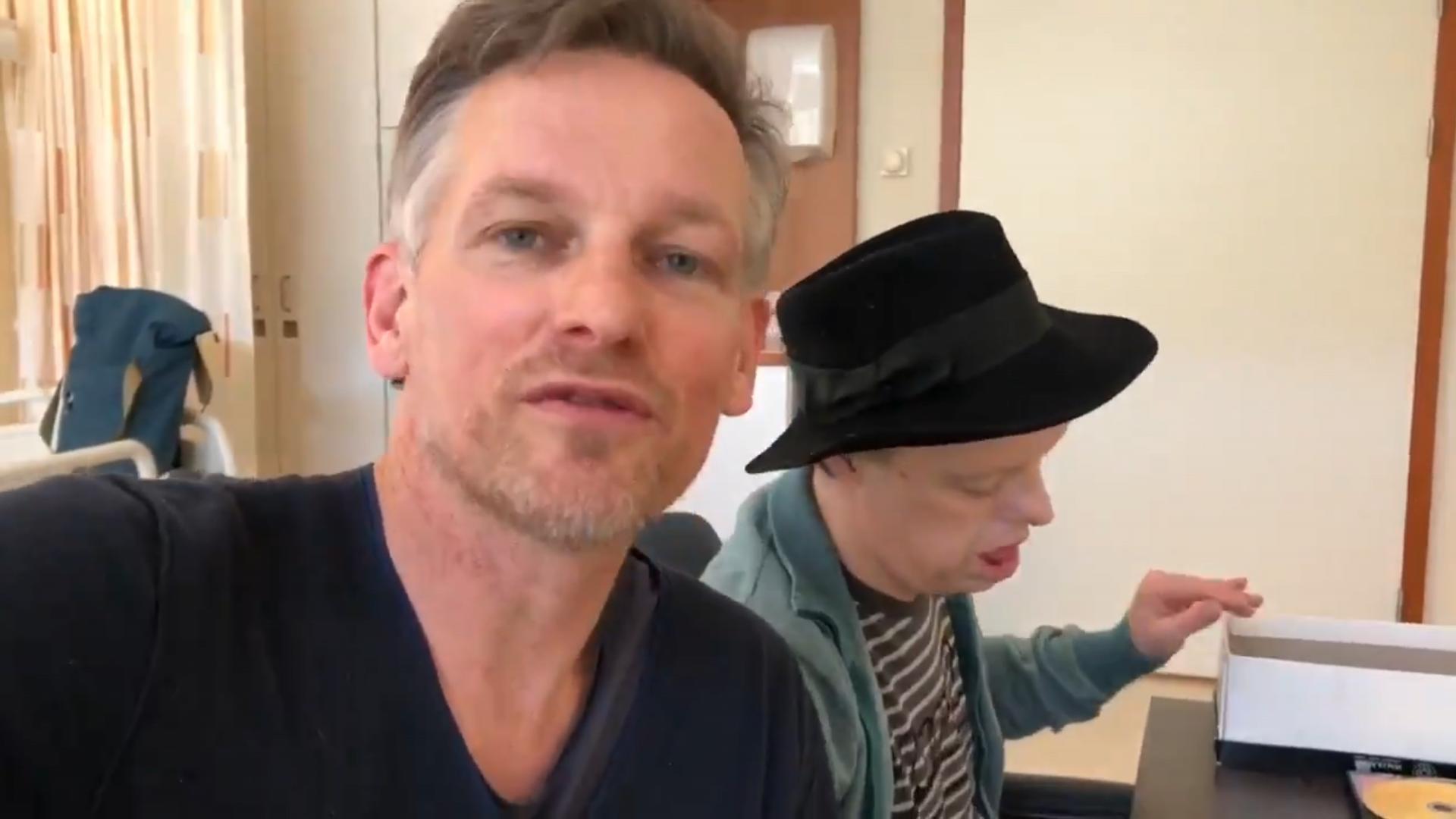 Acteur Atsma bedankt voor zorg in Vlietland