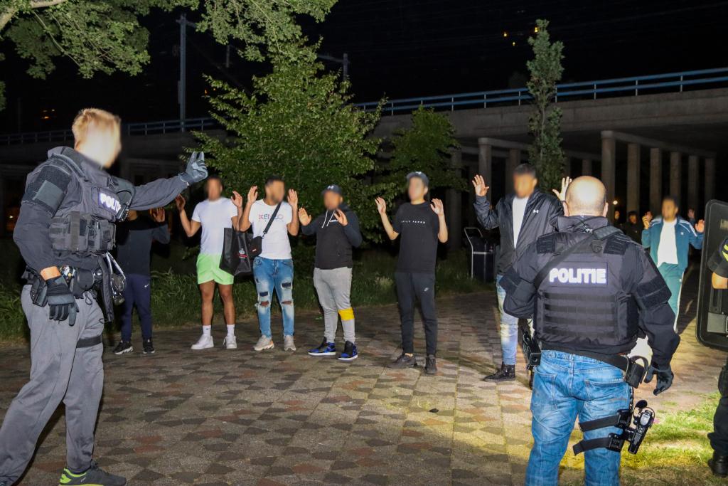 Schieten, arrestaties, onrust in Roel Langerakpark