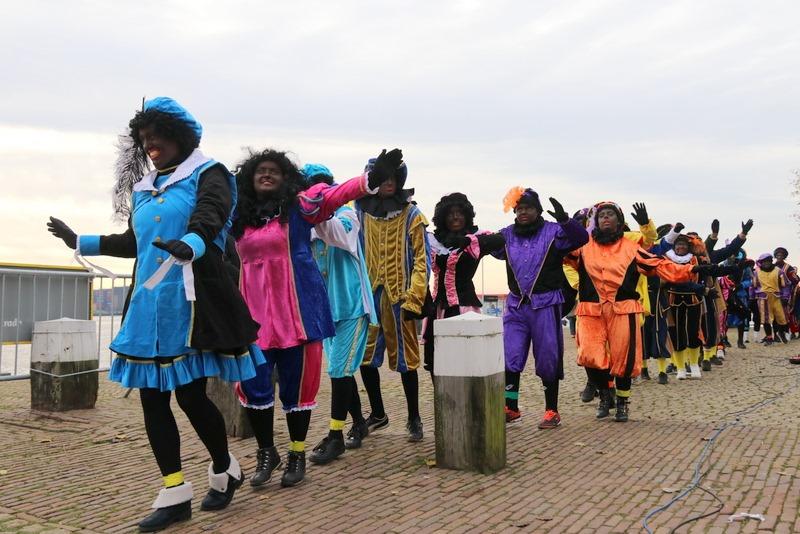 Uitsterven Zwarte Piet is geen collegebesluit