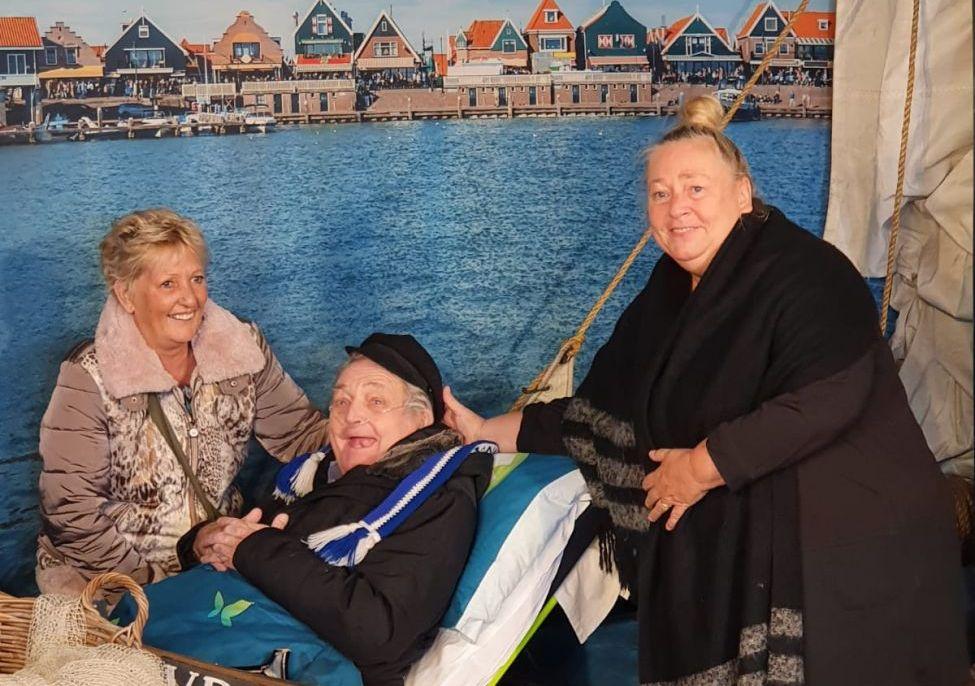 Met de ambulance nog één keer paling eten in Volendam