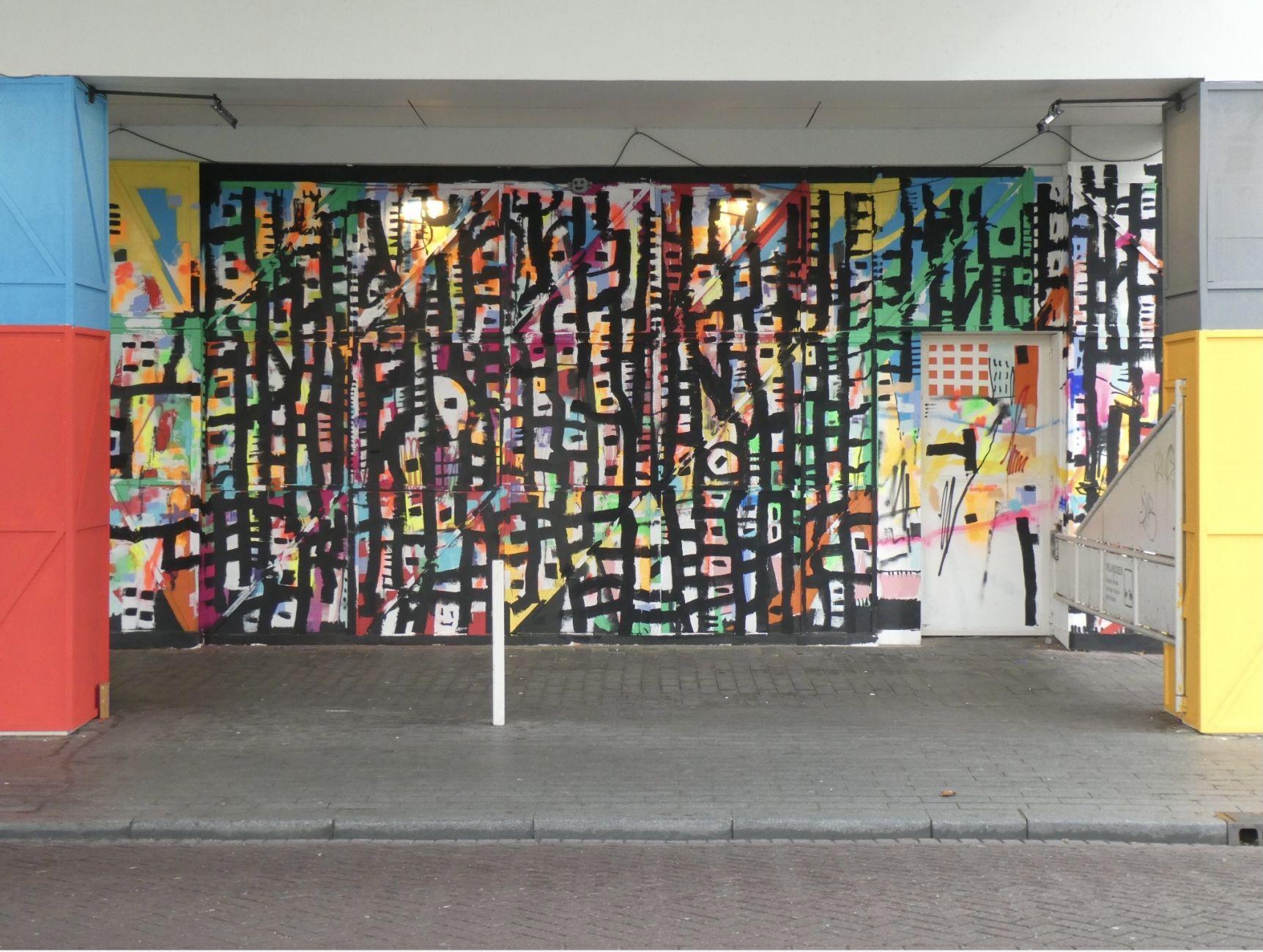 'Action painter' gaat schilderen in het Schreiershuisje