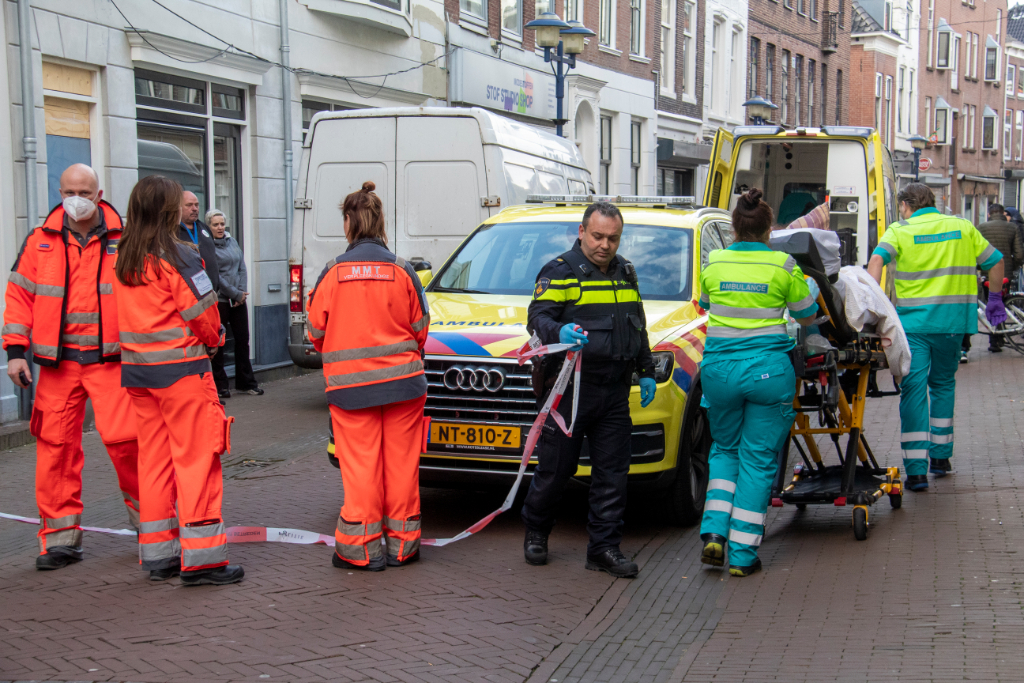 Vrouw gewond bij steekpartij in woning