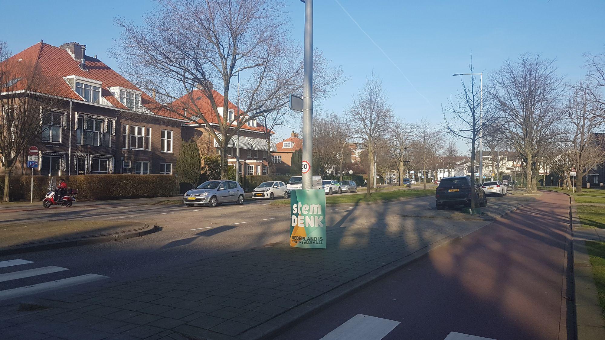 Denk opent verkiezingstijd met tientallen borden in Schiedam
