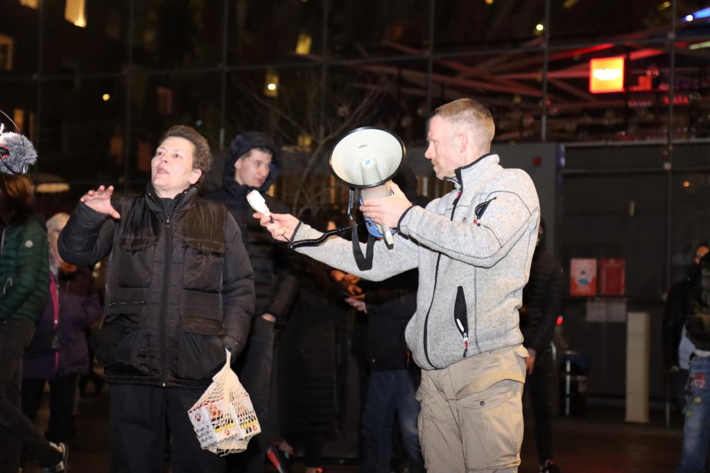 Protest tegen avondklok