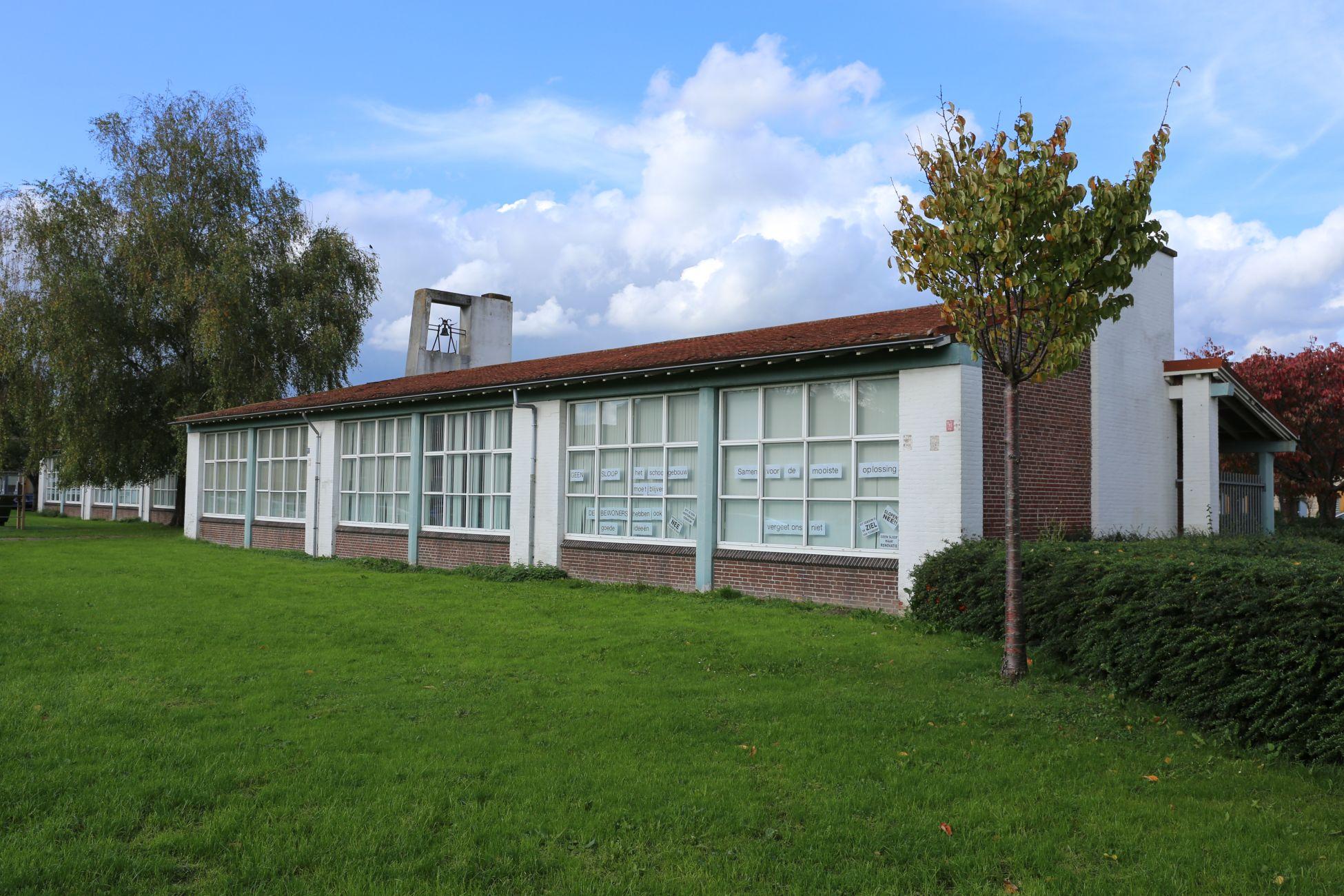 College verdedigt verkoop geliefde school in Tuindorp