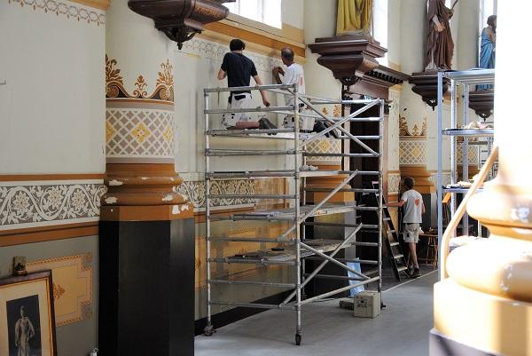 Zeventien restauratieschilders in opleiding aan de slag in Havenkerk