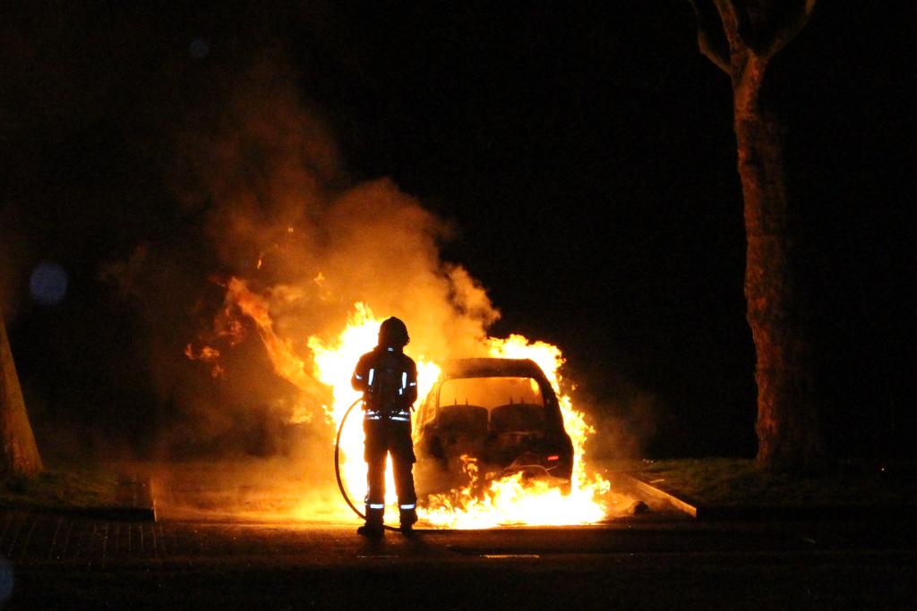 Auto uitgebrand in Groenoord