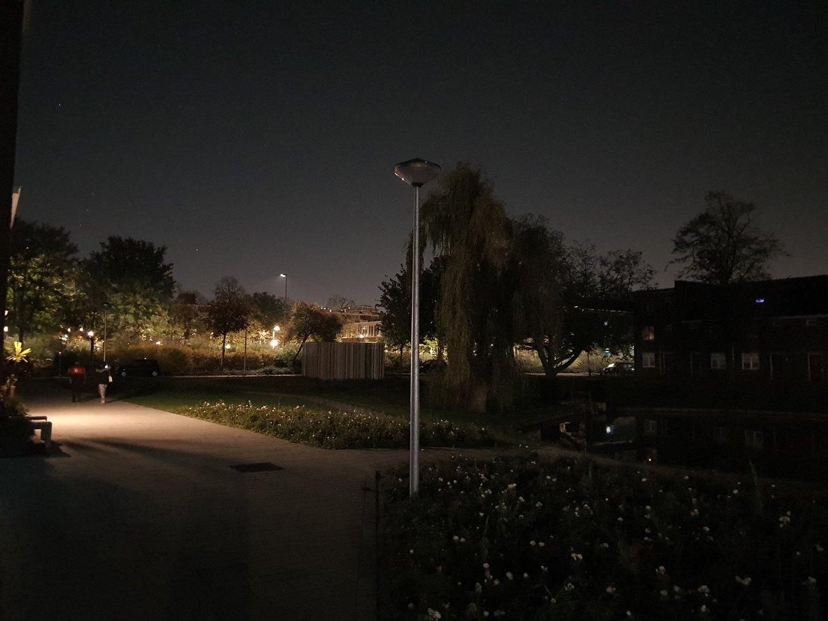 Wetenschappersbuurt donker zonder straatverlichting
