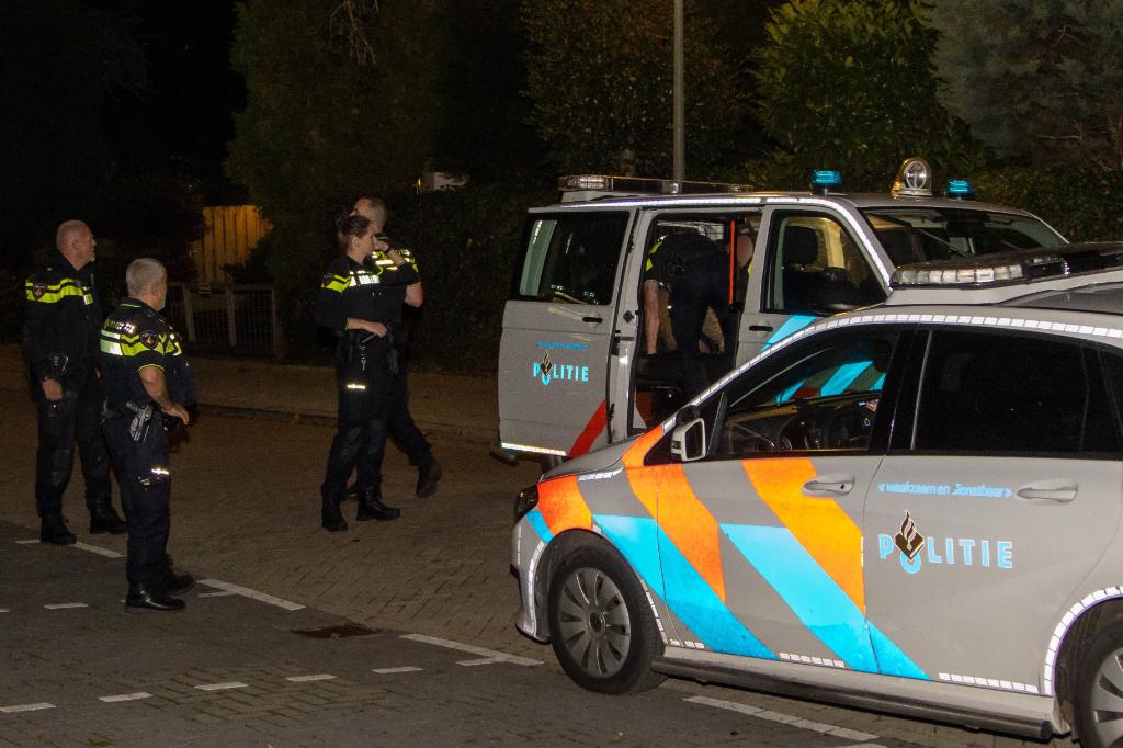 Wilde achtervolging tot in woonwijk, bestuurder aangehouden