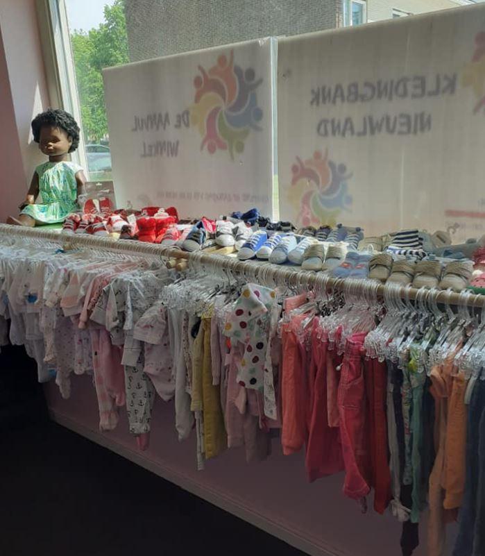 Kinderkledingbank Nieuwland verder op nieuwe locatie