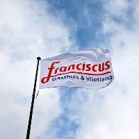 Franciscus bouwt vrouw-kindcentrum
