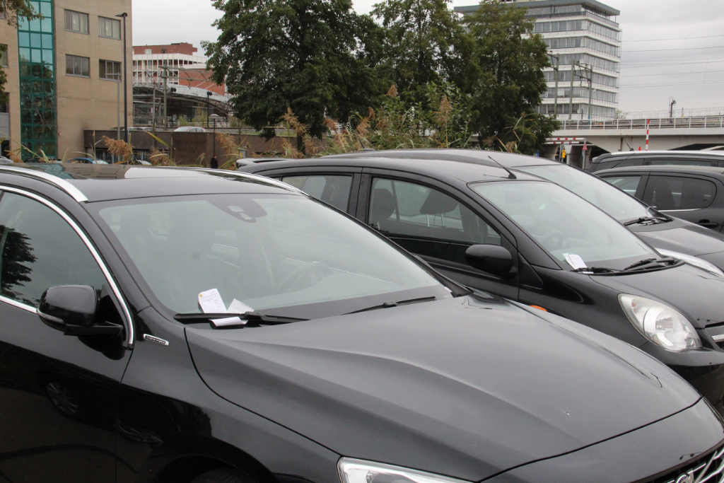 Rotterdam achterhaalt Schiedam ruimschoots in prijs parkeerverlof