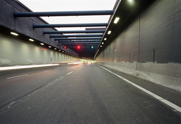 Afrit A4 en tunnelbuis dicht voor werk