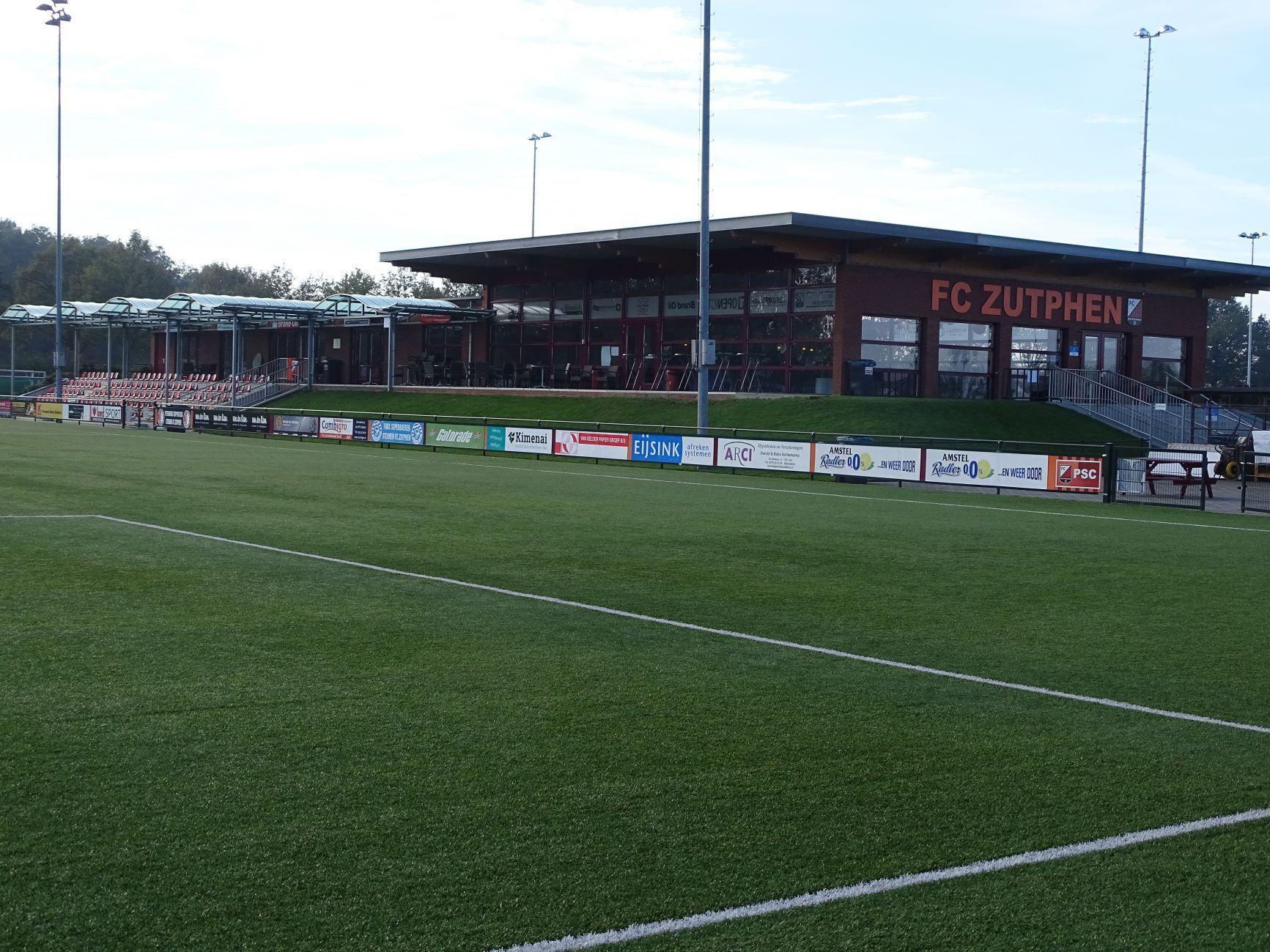 Verdiende 1-3 nederlaag van FC Zutphen ( zat.) tegen Oranje Nassau.