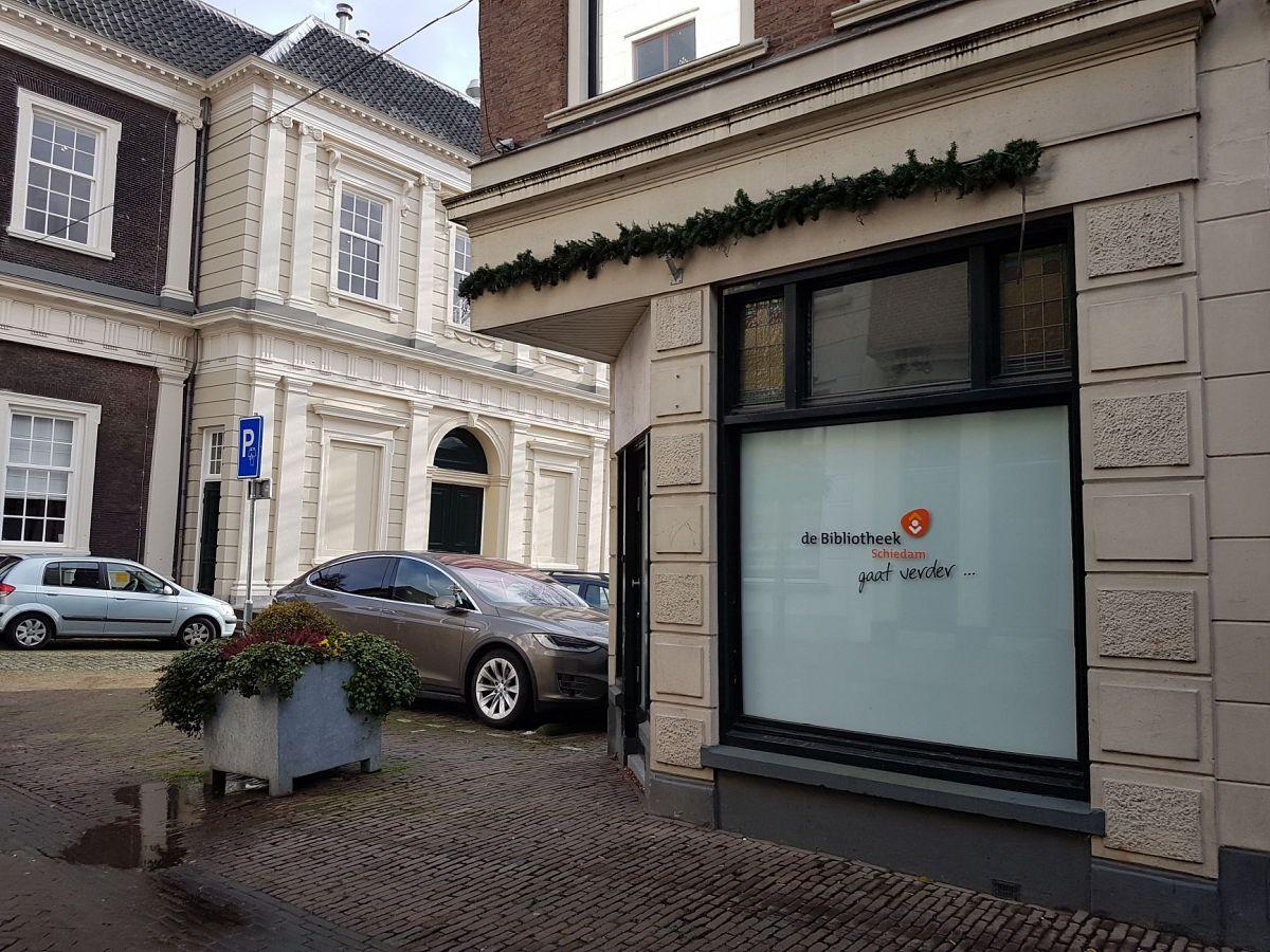 Bibliotheek Staakt Viering Jubileum Overstap Op Selfservice Schiedam24