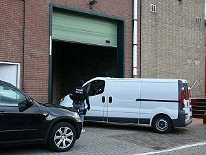 Arrestatieteam valt loods in Vlaardingen binnen