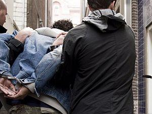 Politie haalt drugsdealer van straat in Vlaardingen