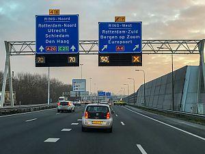 Ongeval met meerdere auto's A20